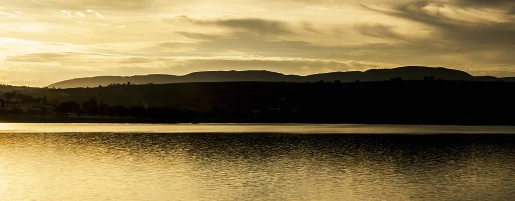 Lago com S